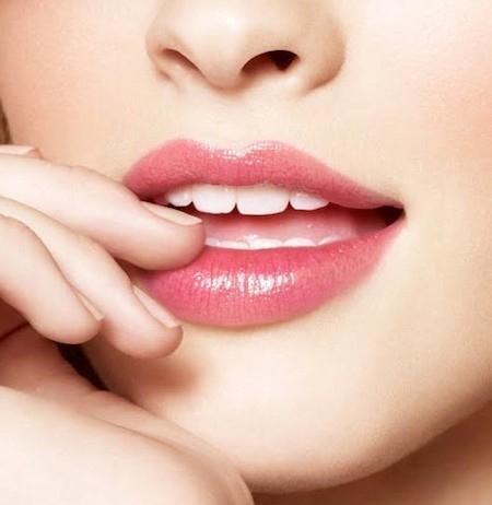 Phun xăm môi